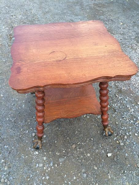 1890u0027s Large Quarter Sawn Oak Parlor Table With Ball U0026 Claw Feet